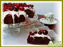 Lukrowane ciasto z wiśniami