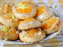 Lukrowane drożdżówki z mandarynkami