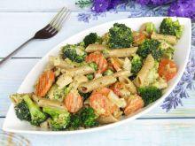 Makaron pełnoziarnisty z brokułem i kurczakiem