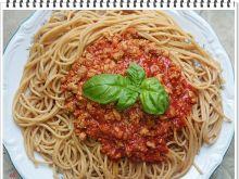 Makaron razowy Eli z sosem mięsno - pomidorowym