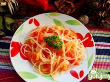 Makaron ryżowy  w pomidorach .