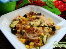 Makaron ryżowy z tuńczykiem