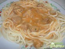 Makaron spaghetti z dobrym sosem