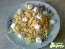 Makaron świderki z białym serem