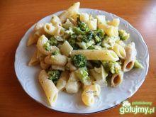 Makaron z brokułami i śmietaną