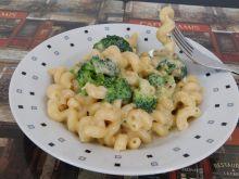 Makaron z brokułami w sosie podwójnie serowym