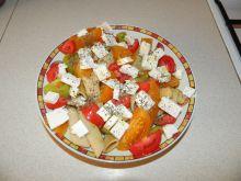 Makaron z fetą i kolorowymi pomidorami