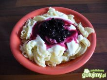 Makaron z jogurtem i jagodami