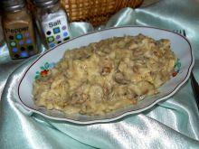 Makaron z kurczakiem w sosie pieczarkowo - serowym