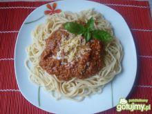 Makaron z mięsem i sosem pomidorowym 3