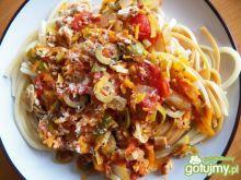 Makaron z mięsem i warzywami
