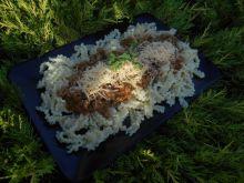 Makaron z mięsnym sosem