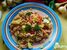 Makaron  z parmezanem i warzywami