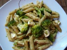 Makaron z pesto i brokułem