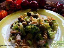 Makaron z pieczarkami i brokułem