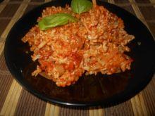 Makaron z pomidorowo-cebulowym sosem