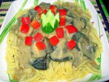 Makaron z sosem grzybowo – jarzynowym