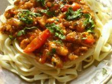 Makaron - z sosem pomidorowo serowym