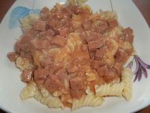 Makaron z sosem pomidorowym Gosi