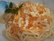 Makaron z sosem pomidorowym z jajkami wg Gosi