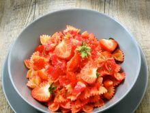 Przepis na szybki makaron z truskawkami