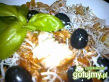 Makaron z tuńczykiem i oliwkami