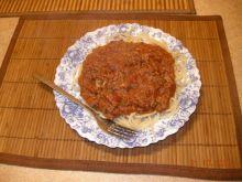 Makaron z tuńczykiem w sosie pomidorowym