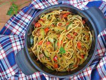 Makaron z warzywami gotowany w jednym garnku