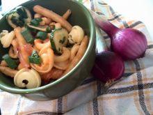 Makaron  z warzywami i kabanosem