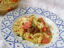 Makaron zapiekany z gulaszem i mozzarellą
