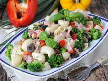 Makaronowa sałatka z brokułem i tuńczykiem