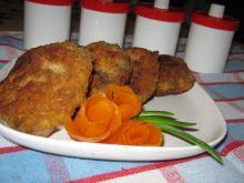 Makaronowe kotleciki z mięsem i pieczarkami