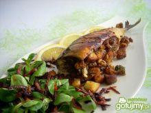 Makrela pieczona z grzankami