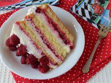 Malinowy tort dla sześciolatka