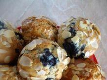 Marcepanowe muffiny z jagodami