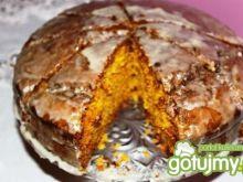 Marchewkowe ciasto z lukrem z pomarańczy