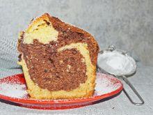 Marmurkowa babka (ciasto) z orzechami