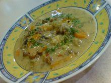 Maślana zupa pieczarkowo-kurkowa z makaronem