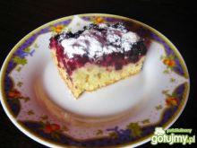 Maślankowe ciasto z jeżynami
