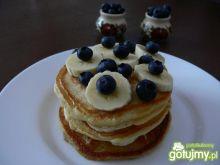 Maślankowe pancakes z syropem klonowym