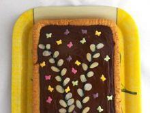 Mazurek kajmakowy z orzechami i czekolad