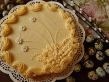 Mazurek waflowy z białą czekoladą