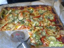 Mega pizza z warzywami