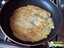 Mega placek ziemniaczany z kiełbaską