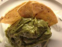Meksykańska salsa z awokado.