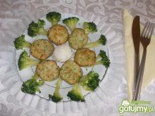 Mielone drobiowe z brokułem
