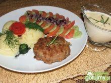 Mielone gyros z sosem serowo-czosnkowym