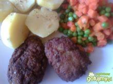 Mielone, kartofle, marchewka z groszkiem
