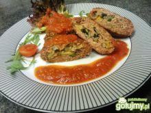 Mielone z farszem w sosie pomidorowym