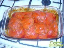 Mielone z pekińską w sosie pomidorowym